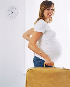 pregnant_woman_traveling