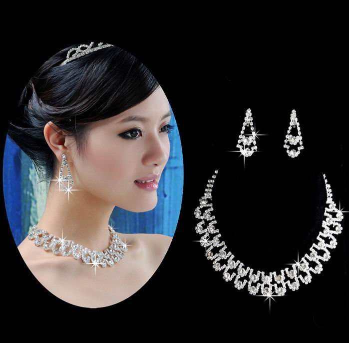 How To Match Diamond Earrings With Your Face Shape