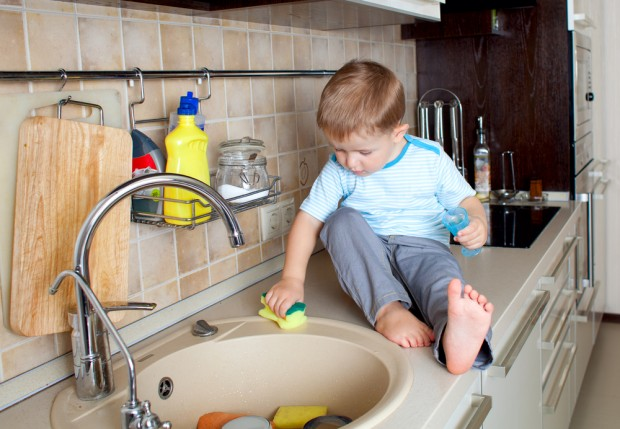 Kids and Sinks: Friends or Enemies?