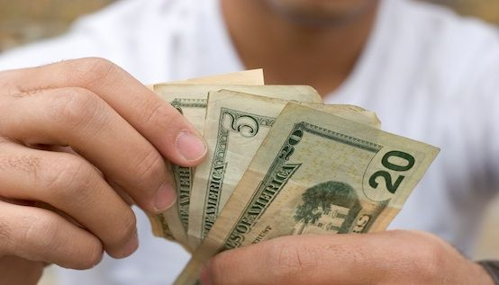 Helping Your Teen Save Money: 5 Tips They Will Appreciate