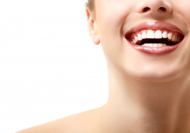 Dazzling Smile: How To Choose Between Whitening Options