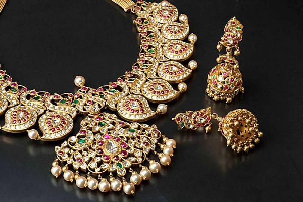 The Aesthetic Benefits Of Antique Jewellery