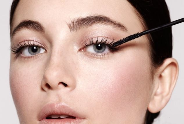 Lashes, Lips and Hips: 3 Beauty Tips That Will Turn Heads
