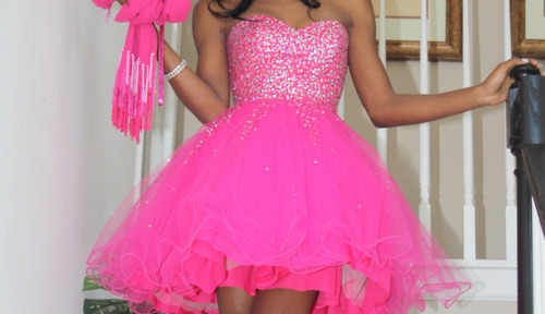 What is a Prom Dress and How to Choose them in Best Colors