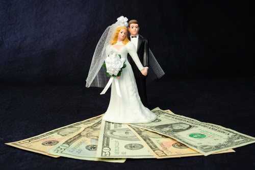Four Ways to Significantly Reduce Your Wedding Expenses